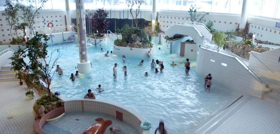 finland_lapland_saariselka_holiday_club_spa_hotel_pool.jpg